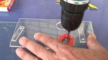 Приспособление для сверления стекла