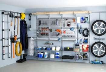 Размещение инструментов и запчастей в гараже