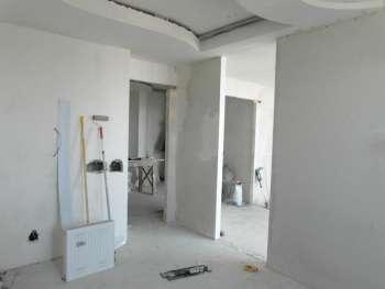 Процесс ремонта комнаты